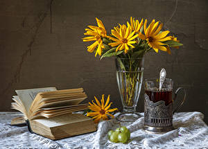 Wallpapers Still-life Bellis Tea Grapes Vase Highball glass Book