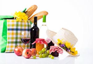 Hintergrundbilder Stillleben Freesien Konfitüre Weintraube Äpfel Wein Handtasche Brot Weißer hintergrund Einweckglas Flasche Weinglas Lebensmittel