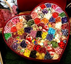 Bilder Süßware Bonbon Viel Herz Schachtel Lebensmittel