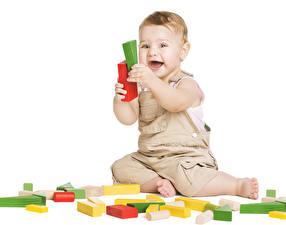 Hintergrundbilder Spielzeuge Weißer hintergrund Junge Glücklich Kinder