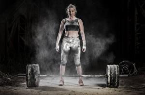 Fotos Körperliche Aktivität Hantelstange Mädchens Sport
