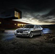 Bilder BMW Grau Metallisch 2016 740e iPerformance Autos