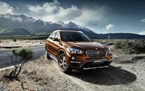 Bilder BMW Orange Metallisch 2016 X1 xDrive25Li xLine Autos