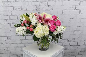 Bilder Sträuße Rosen Lilien Levkojen Hortensien Blumen