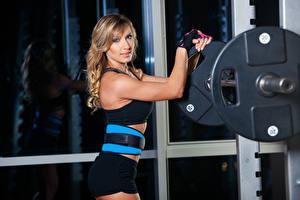 Hintergrundbilder Fitness Blondine Hantelstange Mädchens Sport