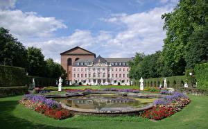 Bureaubladachtergronden Duitsland Gebouw Landschapsontwerp Vijver Beeldhouwkunst Paleis Gazon Trier Kurfuerstliches Palais een stad