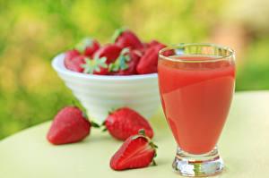 Hintergrundbilder Fruchtsaft Erdbeeren Trinkglas Lebensmittel