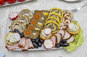 Hintergrundbilder Fleischwaren Oliven Radieschen Geschnitten