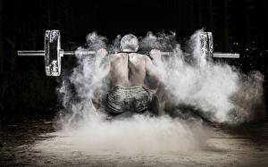Bilder Mann Hantelstange Trainieren Hinten Sport