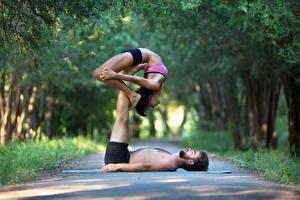 Hintergrundbilder Mann Gymnastik 2 Braune Haare Trainieren Mädchens Sport