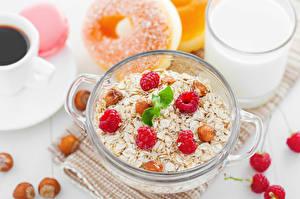 Bilder Müsli Himbeeren Schalenobst Frühstück