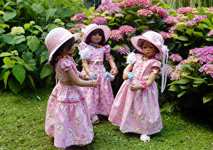 Picture Parks Hydrangea Doll Little girls Hat Frock Three 3 Grugapark Essen Nature