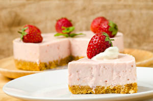 Fotos Süßware Torte Erdbeeren Stück Lebensmittel