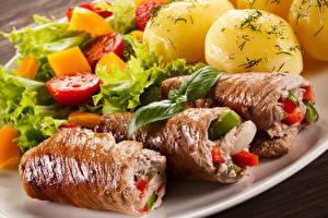 Fotos Die zweite Gerichten Fleischwaren Kartoffel Gemüse