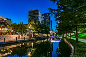 Wallpapers USA Houses Evening Texas Canal Street lights Trees Woodlands Waterway Cities