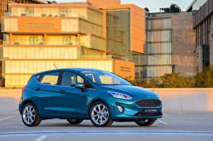 Photo Ford Light Blue Metallic 2018 Fiesta Titanium 5-door automobile