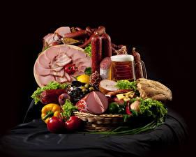 Papel de Parede Desktop Produtos de carne Salsicha Cerveja Presunto Pão Hortaliça Tomates Cesta de vime Alimentos