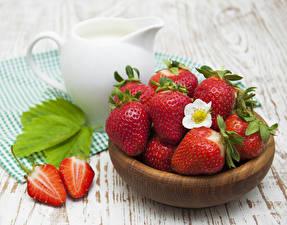Bilder Erdbeeren Großansicht Kanne Lebensmittel