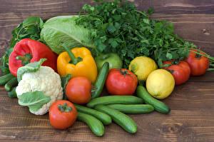 Bilder Gemüse Peperone Tomate Gurke Kohl Zitrone das Essen