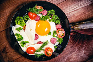 Picture Vegetables Tomatoes Sausage Fried egg Frying pan Food