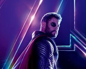 Fotos Avengers: Infinity War Chris Hemsworth Thor Held Mann Augenklappe Film Prominente