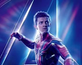 Pictures Avengers: Infinity War Spiderman hero Tom Holland film Celebrities