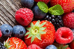 Bilder Beere Erdbeeren Himbeeren Heidelbeeren