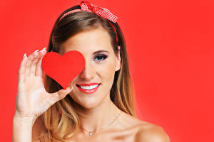 Images Fingers Valentine's Day Brown haired Heart Smile Red background female