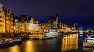 Photo Gdańsk Poland Houses Rivers Marinas Ship Riverboat Night Cities