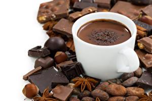 Bilder Kakao Getränk Schokolade Schalenobst Sternanis Weißer hintergrund Tasse Lebensmittel