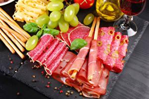Hintergrundbilder Fleischwaren Wurst Schinken Weintraube Geschnitten