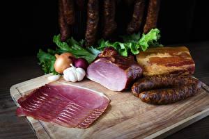 Bilder Fleischwaren Wurst Schinken Zwiebel Knoblauch Geschnitten Schneidebrett
