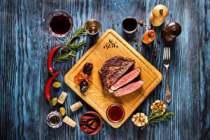 Bilder Fleischwaren Gewürze Wein Oliven Schneidebrett