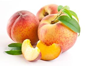 Image Peaches Closeup White background Piece Food