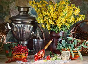 Fotos Stillleben Sträuße Meertrübeli Samowar Trinkglas Löffel Lebensmittel