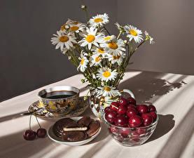 Bilder Stillleben Kamillen Kaffee Kirsche Kekse Tasse Lebensmittel Blumen