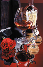 Image Still-life Rose Whisky Stemware