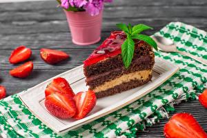 Hintergrundbilder Süßware Torte Erdbeeren Stücke Lebensmittel