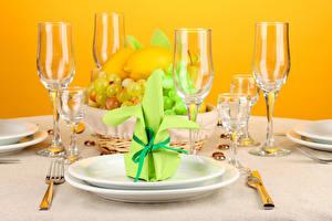 デスクトップの壁紙、、テーブルを置きます、ナイフ、ワイングラス、皿、フォーク、ウォッカのガラス、食品