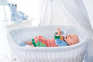 Fotos Teddybär Bett Baby Kinder