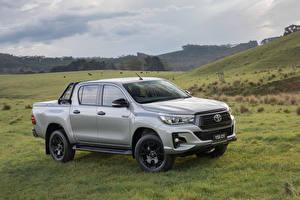 Bilder Toyota Graue Pick-up Metallisch 2018 Hilux Rogue Autos