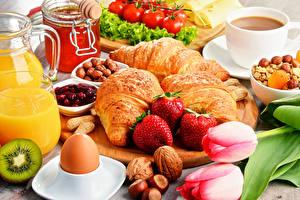 Photo Tulips Croissant Strawberry Nuts Coffee Honey Breakfast Eggs