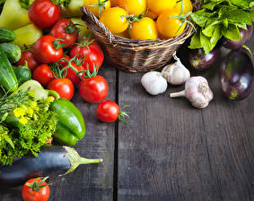 Bilder Gemüse Tomate Aubergine Knoblauch Peperone Bretter