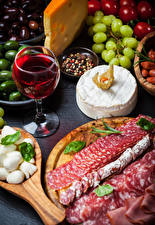 Hintergrundbilder Wein Wurst Käse Weinglas Geschnittenes Lebensmittel