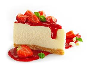 Fotos Törtchen Erdbeeren Süßigkeiten Warenje Weißer hintergrund das Essen