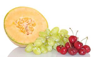 Hintergrundbilder Kirsche Trauben Melone Weißer hintergrund