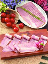 Bilder Fleischwaren Schinken Tomate Radieschen Geschnitten Schneidebrett Lebensmittel