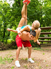 Fonds d'écran Homme Gymnastique 2 Blondeur Fille Entraînement Sport Filles