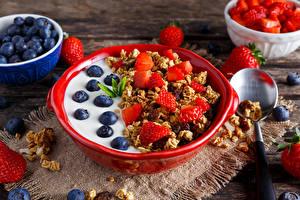 Hintergrundbilder Müsli Heidelbeeren Erdbeeren Frühstück Lebensmittel
