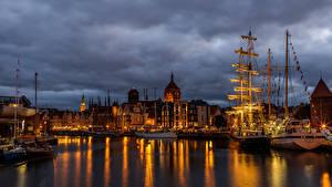 Fotos Polen Danzig Haus Schiffsanleger Schiffe Segeln Abend Bucht Städte